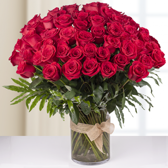Infinite passion: 100 red roses