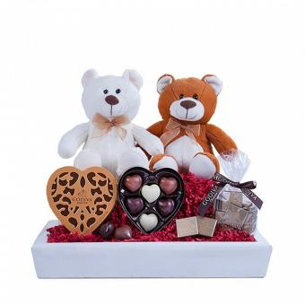 Sweet Surprise: chocolates and two teddies