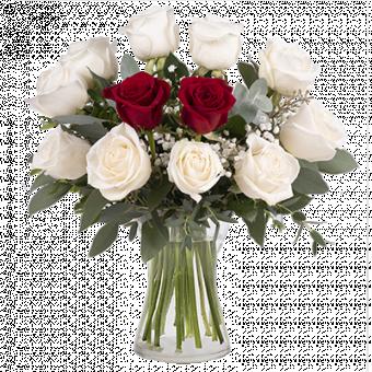 Diamante y Corazón: Rosas Rojas y Blancas