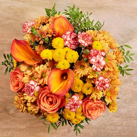 Orangenblüte: Rosen und Callas
