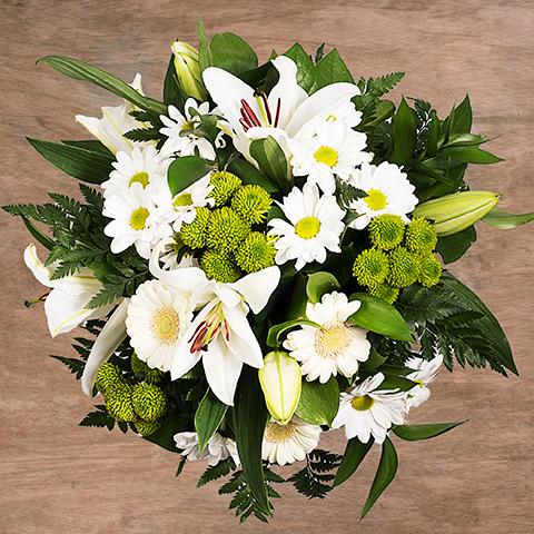 Pure Emotion: Weiße Lilien und Gerbera