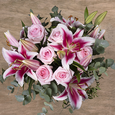 Subtle Freshness: Roses and Lilies