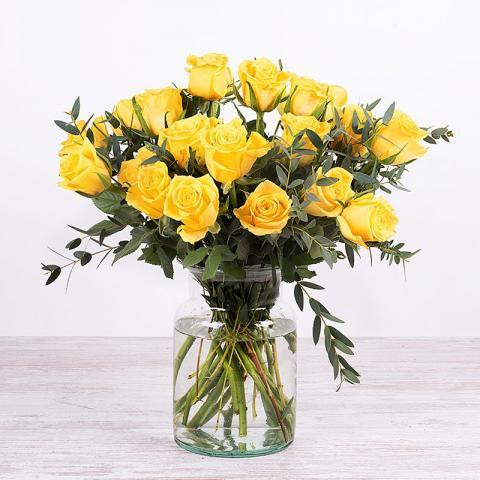 Strahlende Freude - 20 gelbe Rosen